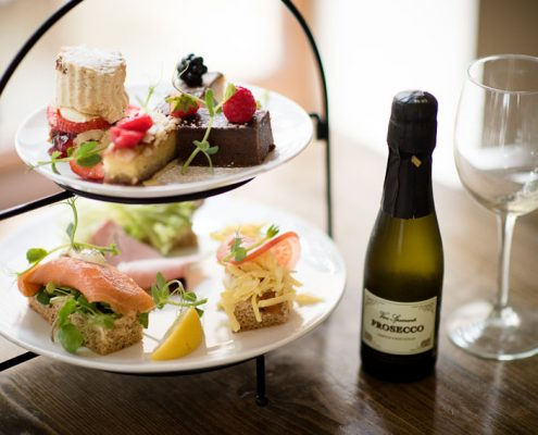 Afternoon-tea-prosecco
